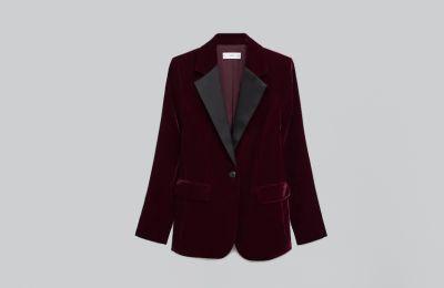 Μπορντό βελουτέ blazer €49.99 από Mango