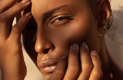 Ένα beauty tip που θα κάνει το foundation σας «αόρατο»