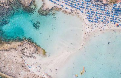 5 αγαπημένες παραλίες για να επισκεφτείς το ΣΚ