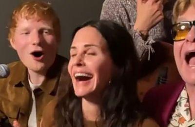 ''Friends'': Courteney Cox, Ed Sheeran και Elton John σε ένα ακόμα viral βίντεο
