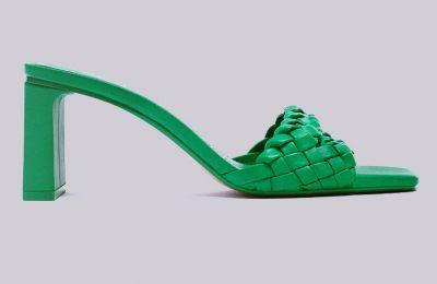 Πράσινα ψηλοτάκουνα πέδιλα €49.95 από Zara