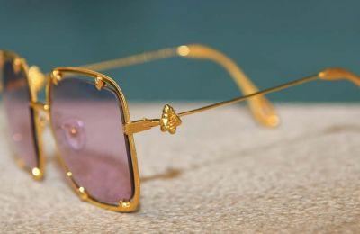 Τα πρώτα χρυσά γυαλιά ηλίου ''The Royal Bee'' από το σχεδιαστή Γιάννο Ιωάννου