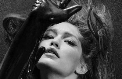 H Gigi Hadid με το iconic look της ημέρας