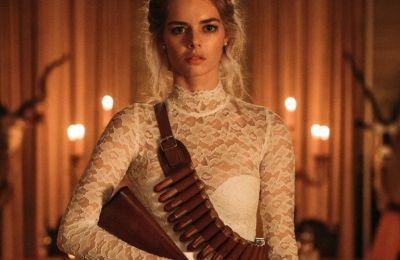 Review: Mια νύφη σε αποστολή επιβίωσης, σε μια fun κωμωδία τρόμου