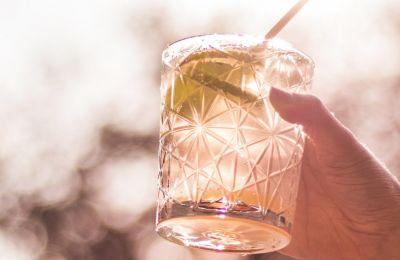 6 δροσερά στέκια για ποτό στο βουνό