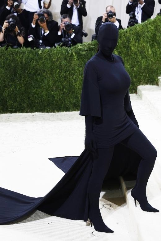 H Kim Kardashian