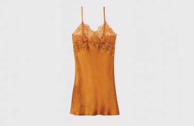 Μεταξωτό νυχτικό φόρεμα σε χάλκινο χρώμα € 59.90 από Intimissimi