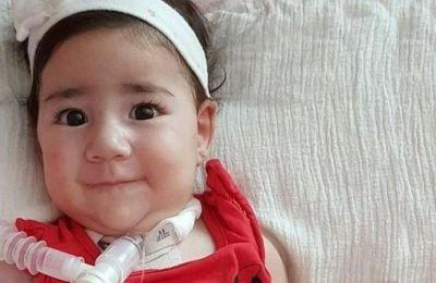 Φτάνει στην Κύπρο για τη θεραπεία SMA η μικρή Άσια