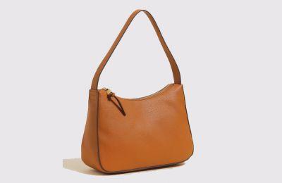 Καφέ τσάντα €29.50 από Μarks & Spencer
