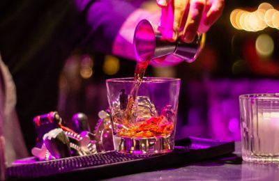 Τα 5 ιδανικότερα μπαρ για bar hopping στη Λευκωσία