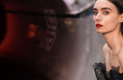 Το νέο άρωμα του οίκου Givenchy αποτελεί αντικείμενο πόθου