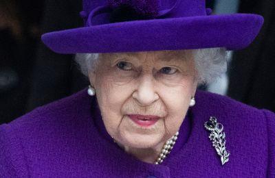 Η βασίλισσα Ελισάβετ νιώθει πολύ... νέα για το βραβείο Oldie of the Year